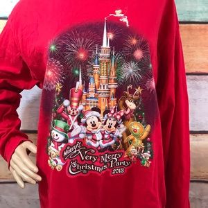 2013 Disney's Merry Christmas Top, Size Large